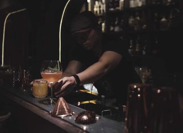 รับงาน part-time Bartender และ part-time...